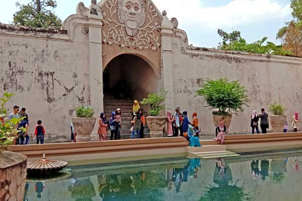 visite-taman-sari-java-central