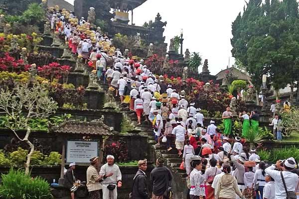 visite-temple-besakih