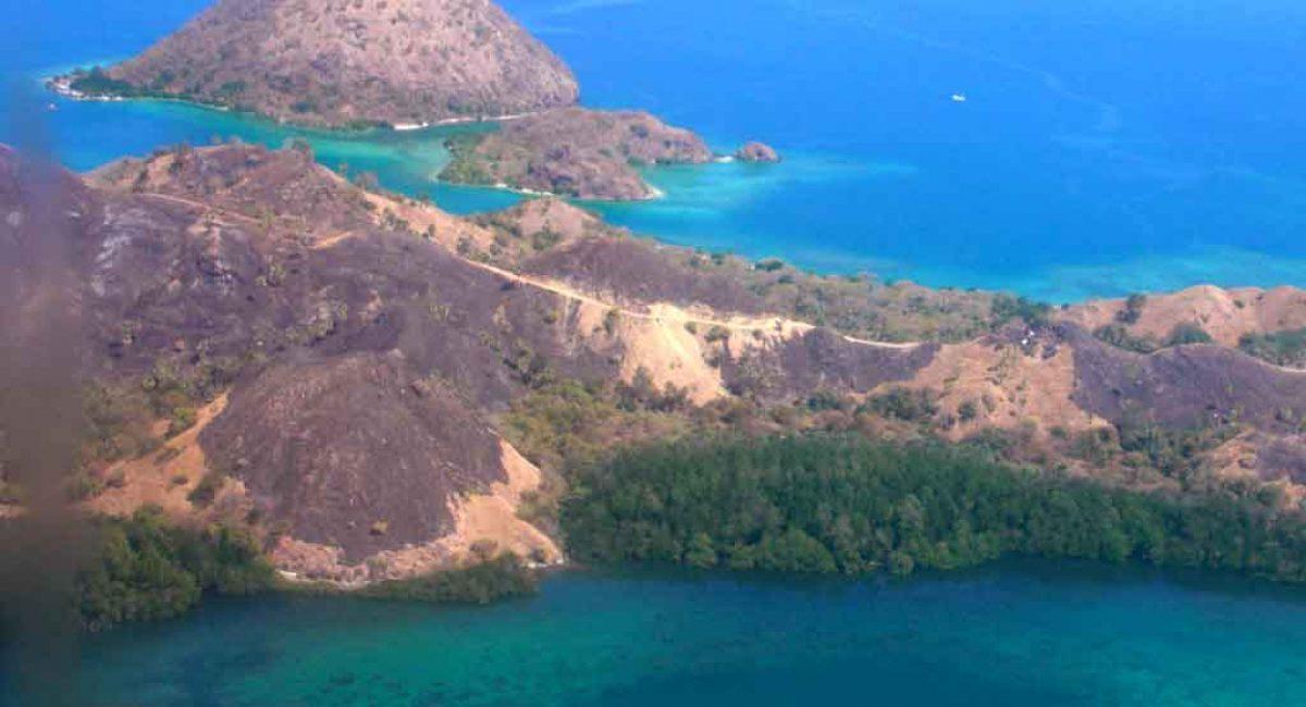 voir-volcan-indonesie-mer
