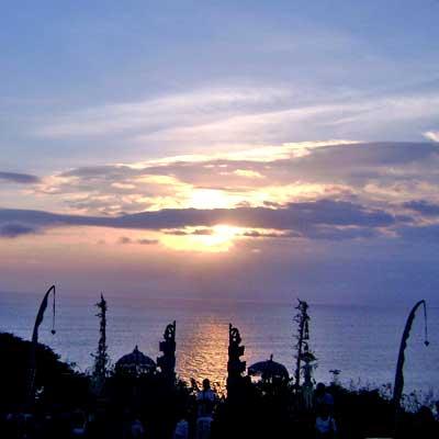voyage-bali-sun-set-uluwatu